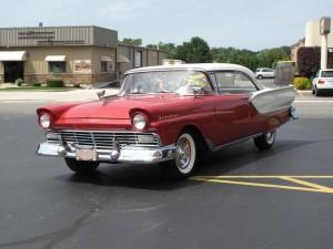 1957-Ford-Fairlane-f21JPG.jpg