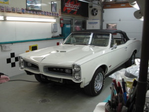 1966-gto-conv-white-85.JPG