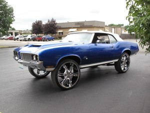1970-Olds-Cutlass-blue-48JPG.jpg