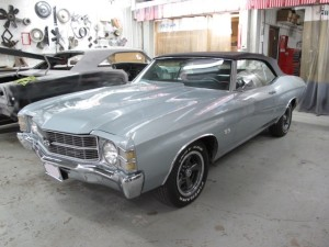 1971-Chevelle-Silver-1.JPG
